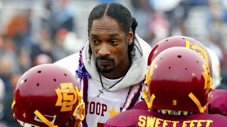 Snoop To Direct/Star In Football Reality Show